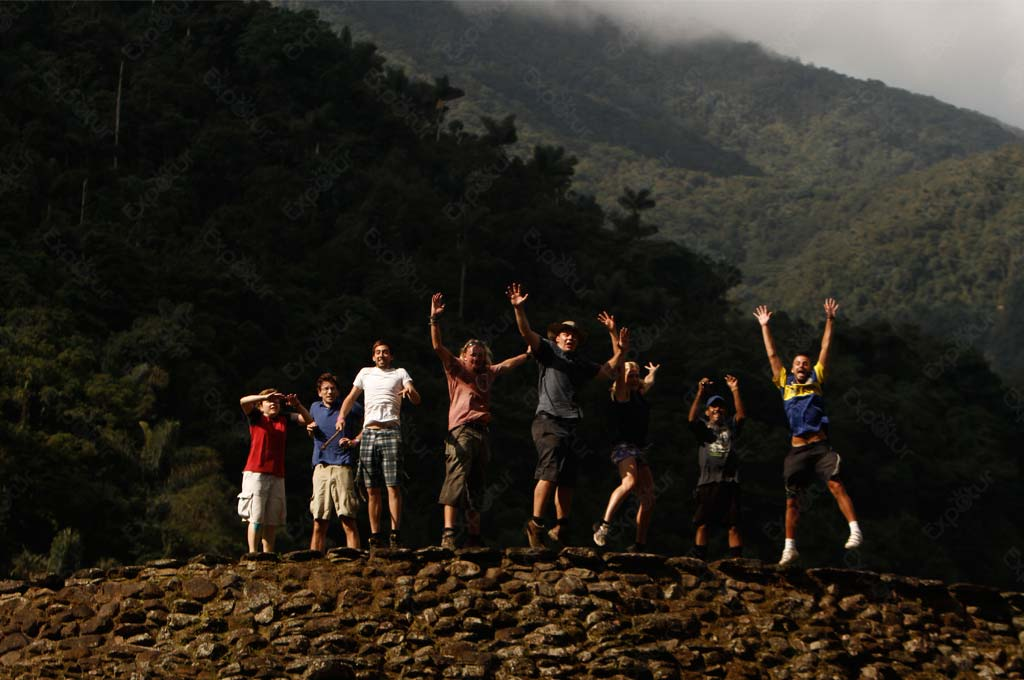 ciudad-perdida-tour-lost-city-trek-santa-marta-colombia-expotur-people