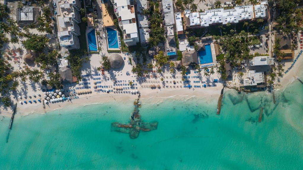 Luftbild vom Strand Playa Norte auf der Isla Mujeres. Las mejores playas del mundo