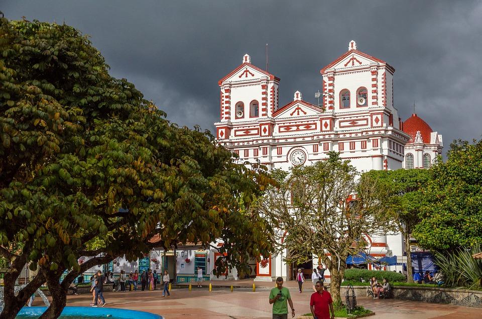 Iglesia en Guatapé Medellín Colombia