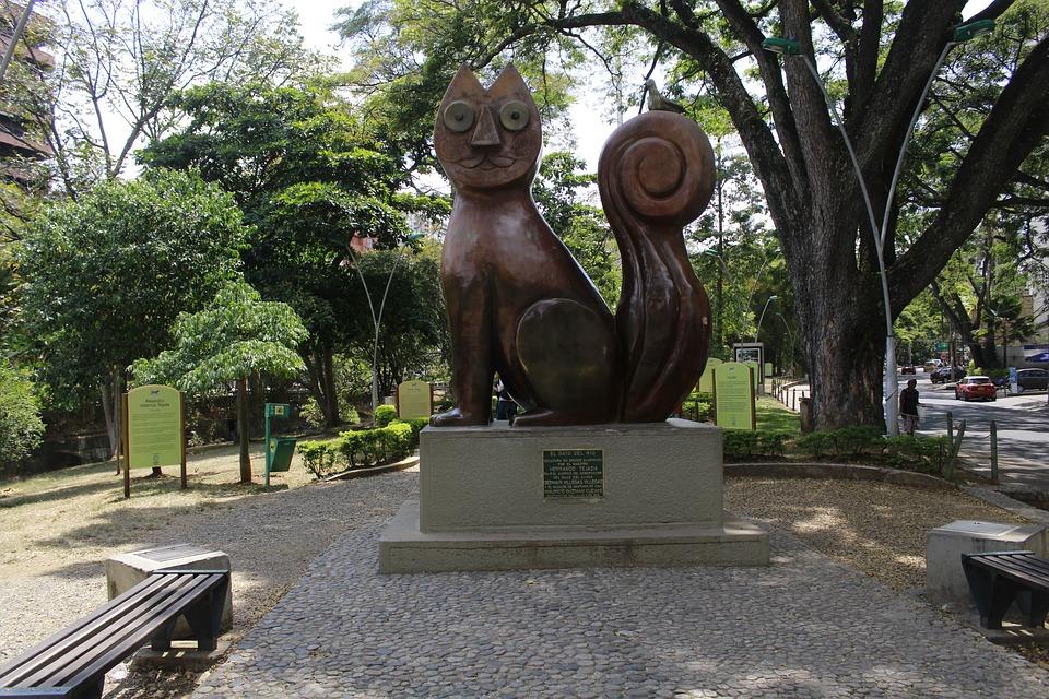 monumento en parque cali