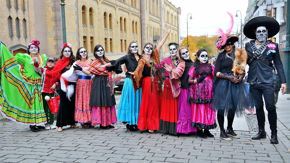 Día de los muertos. fiestas en el mundo