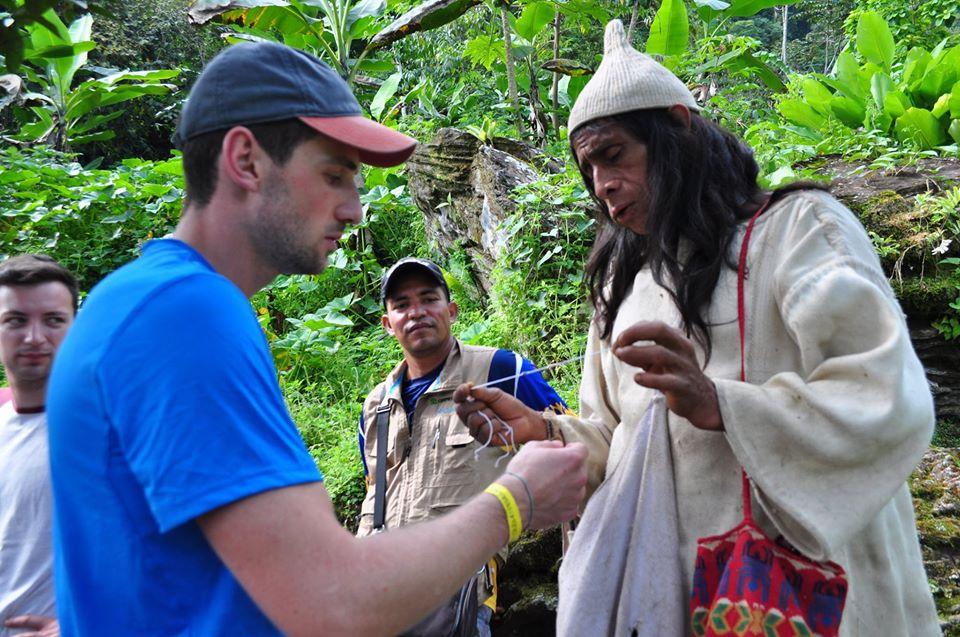 Planes para ir a Ciudad Perdida en la Sierra Nevada de Santa Marta, indigena