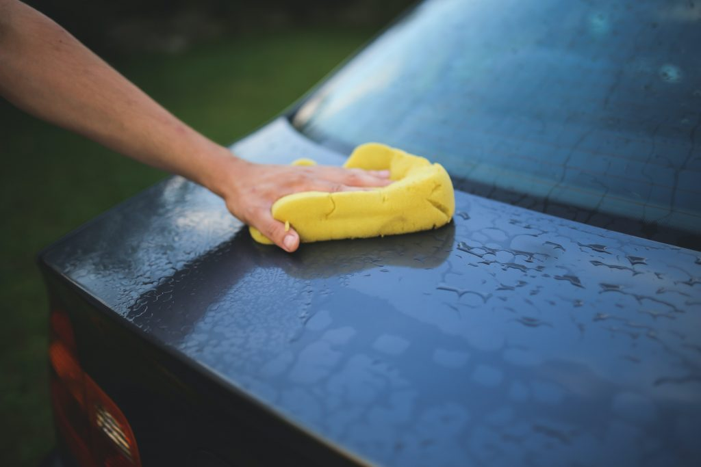 lava tu carro con cubeta expotur. consejos para ahorrar agua